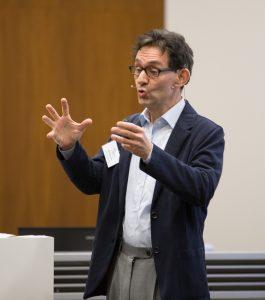 Professor Elmar Gräßel, Leiter des Zentrums für Medizinische Versorgungsforschung am Universitätsklinikum Erlangen
