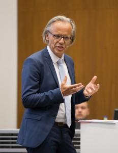Dr. Thomas Huber