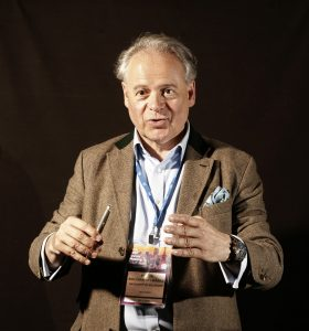 Professor Peter Kolominsky-Rabas, Leiter des Interdisziplinären Zentrums für Health Technology Assessment und Public Health der Friedrich-Alexander-Universität Erlangen-Nürnberg